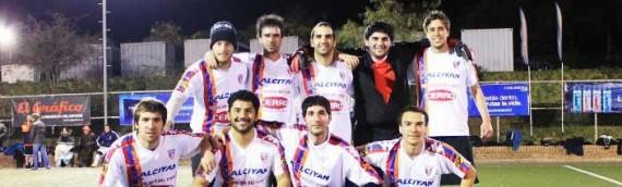Equipo de fútbol compite en Argentina
